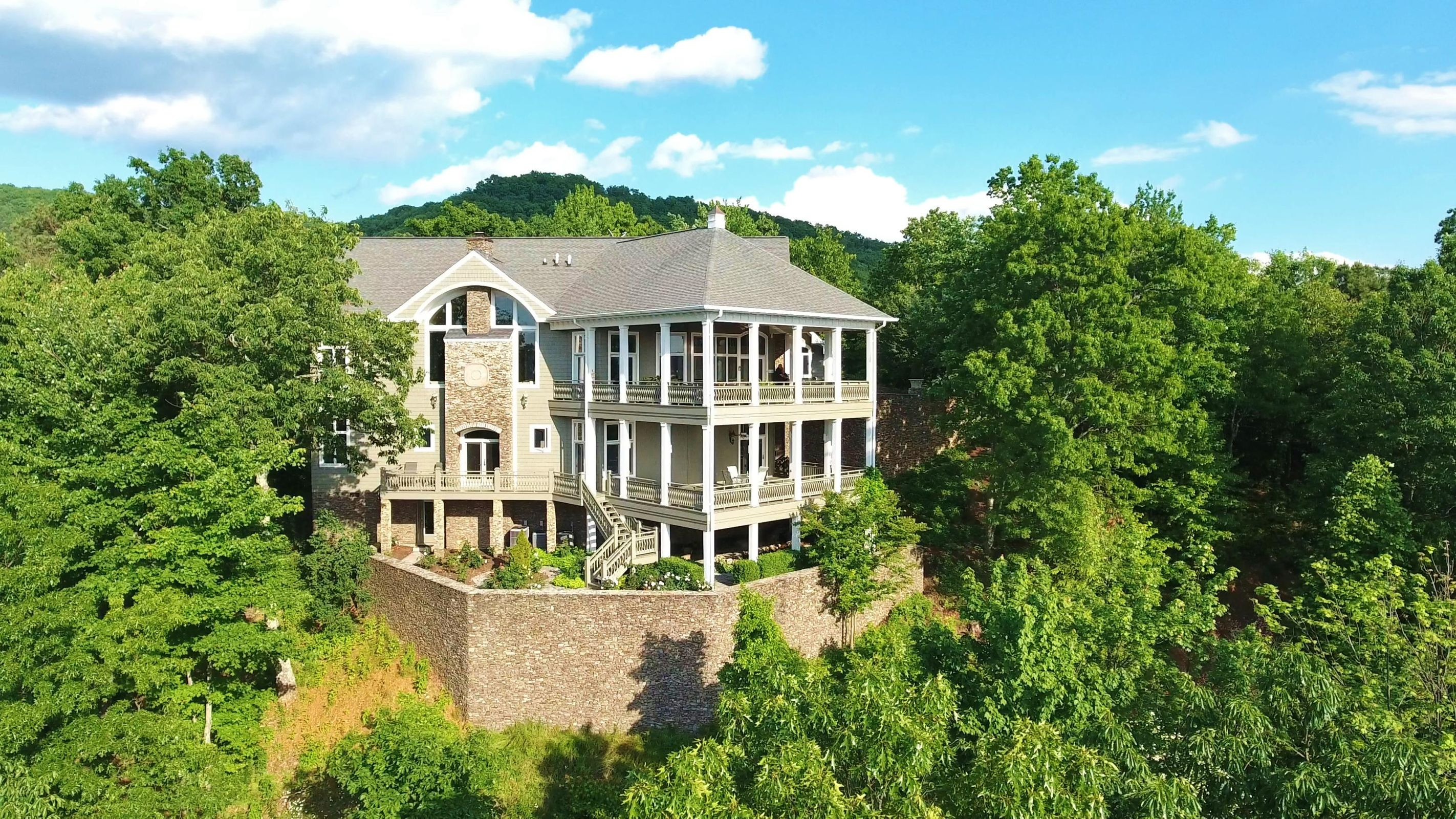 Luxury Mountain Top Estate