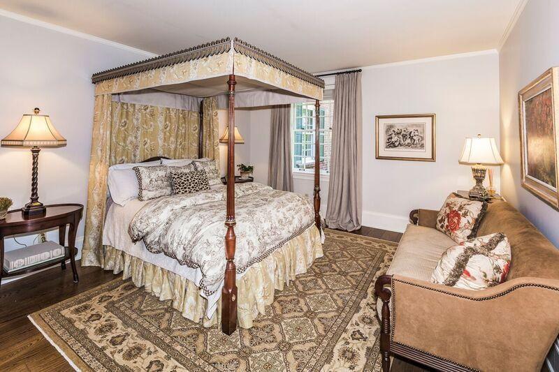 bedroom on main