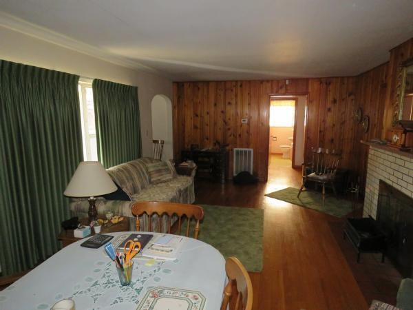 12. Living.Dining Area