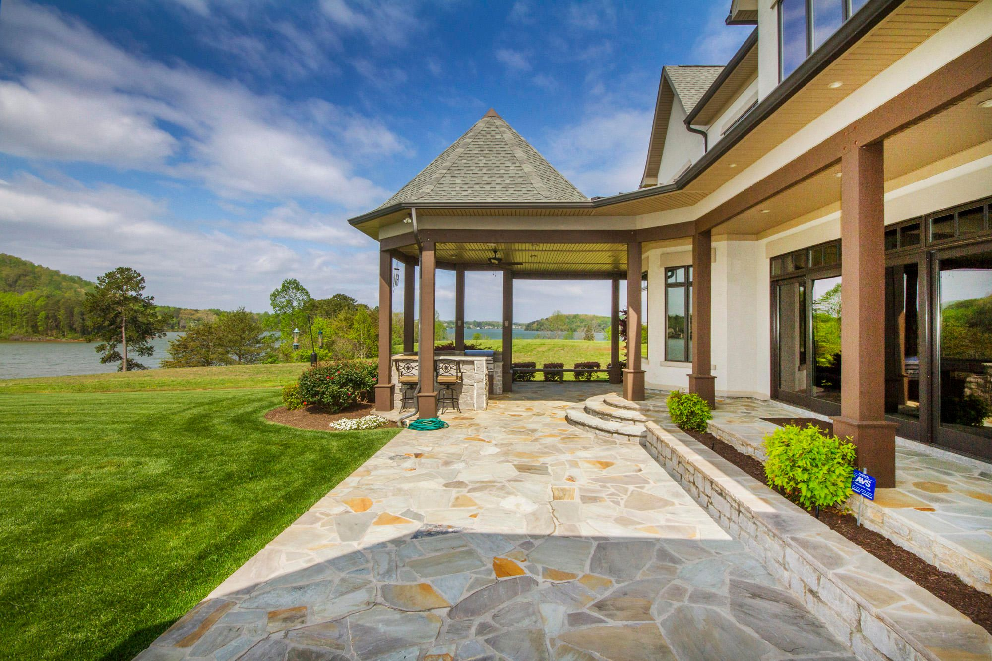 1,450' of Outdoor Entertaining Space!
