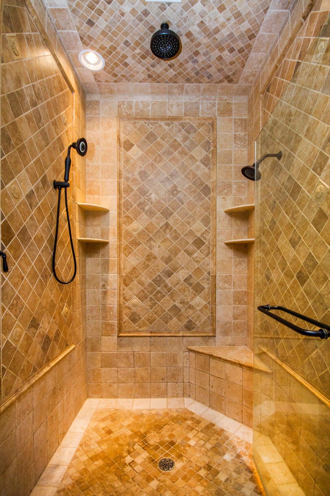 Luxury Fully Tiled Shower!