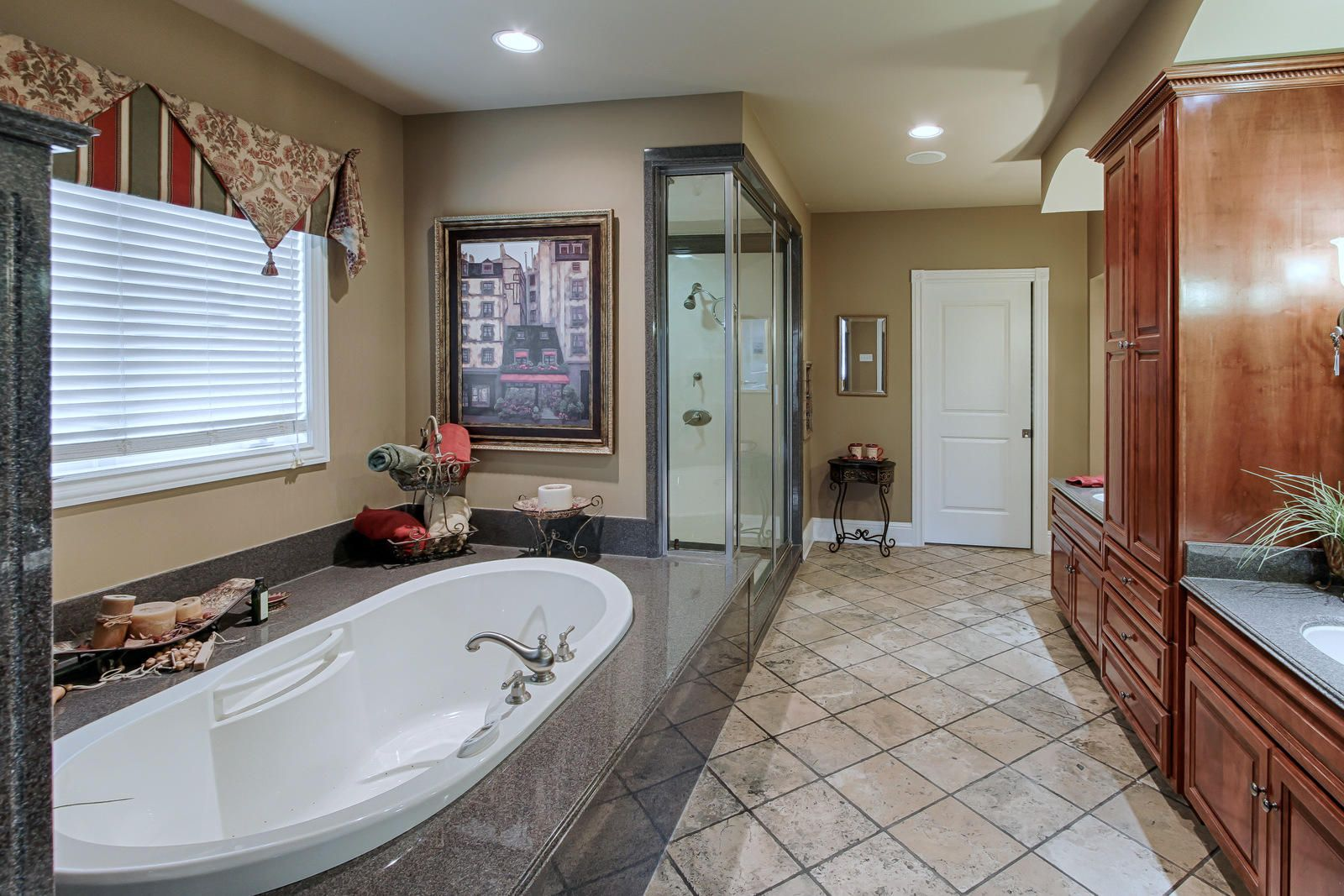 Gorgeous 5 piece Master Bath