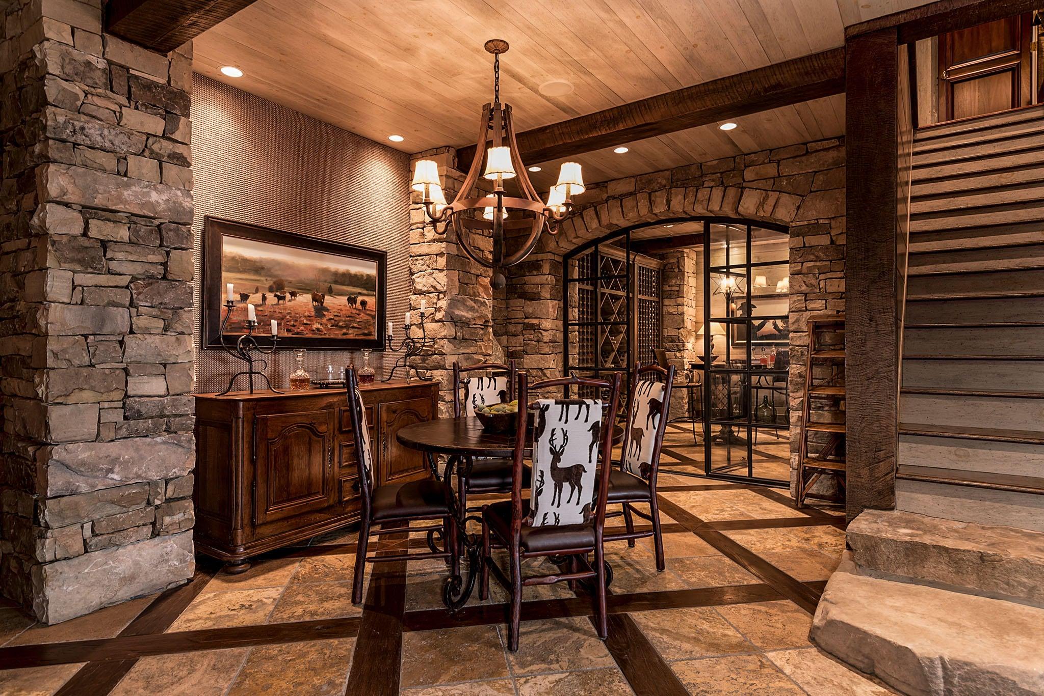 Tasting Room & Wine Cellar