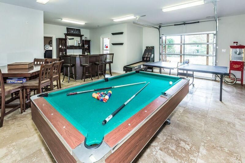 LL billiard area