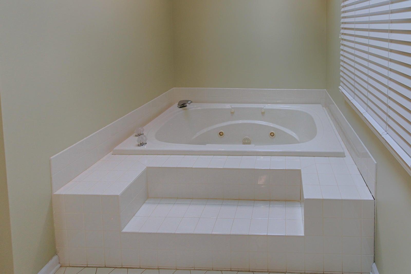 Master Bath Upper Level