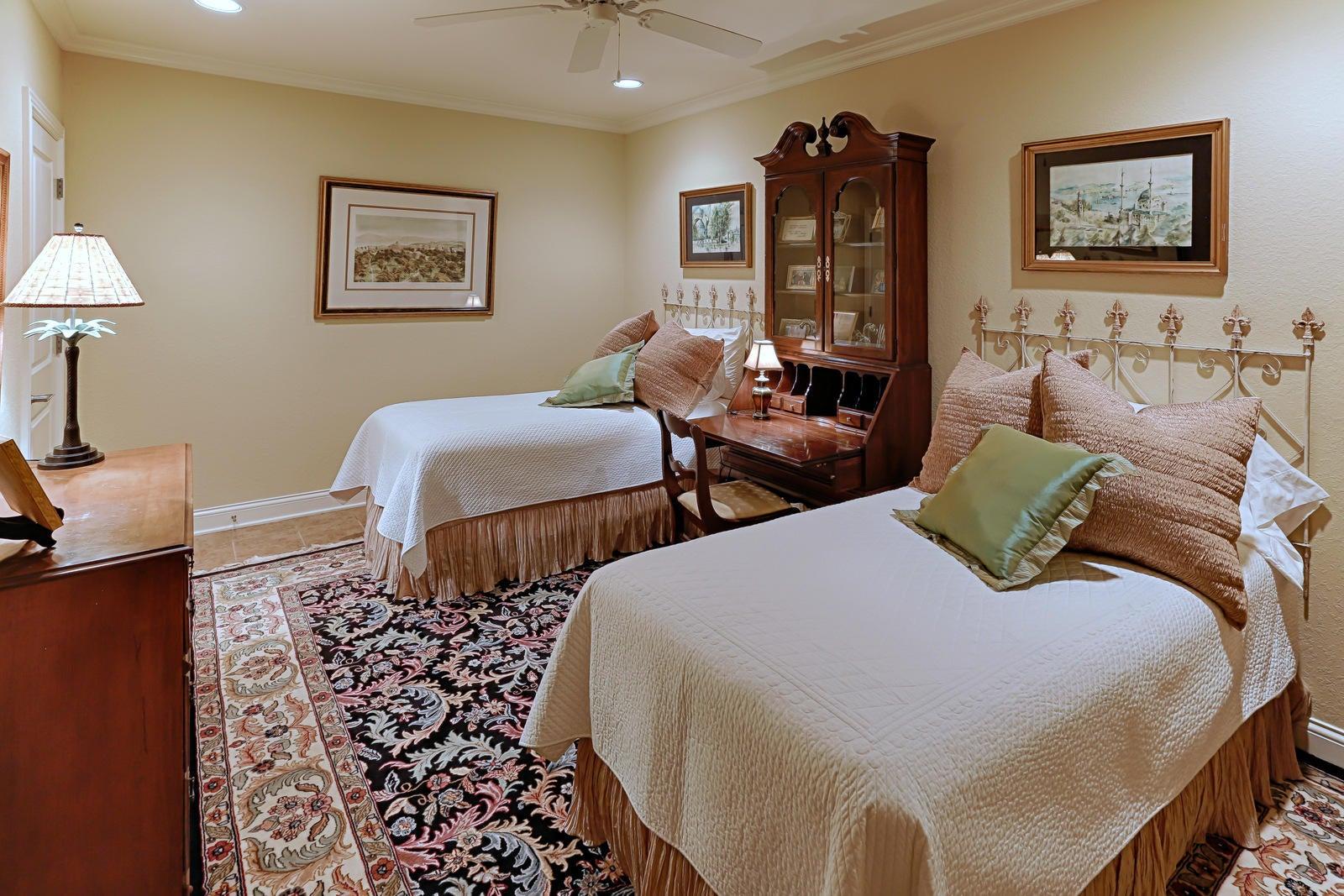 LL bedroom