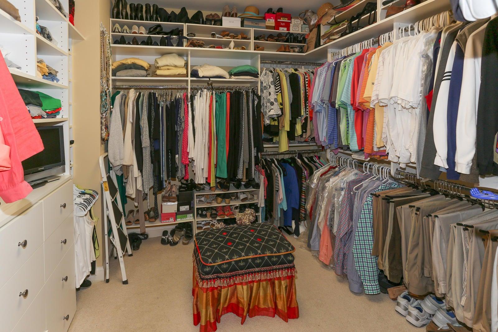 MBR walk in closet