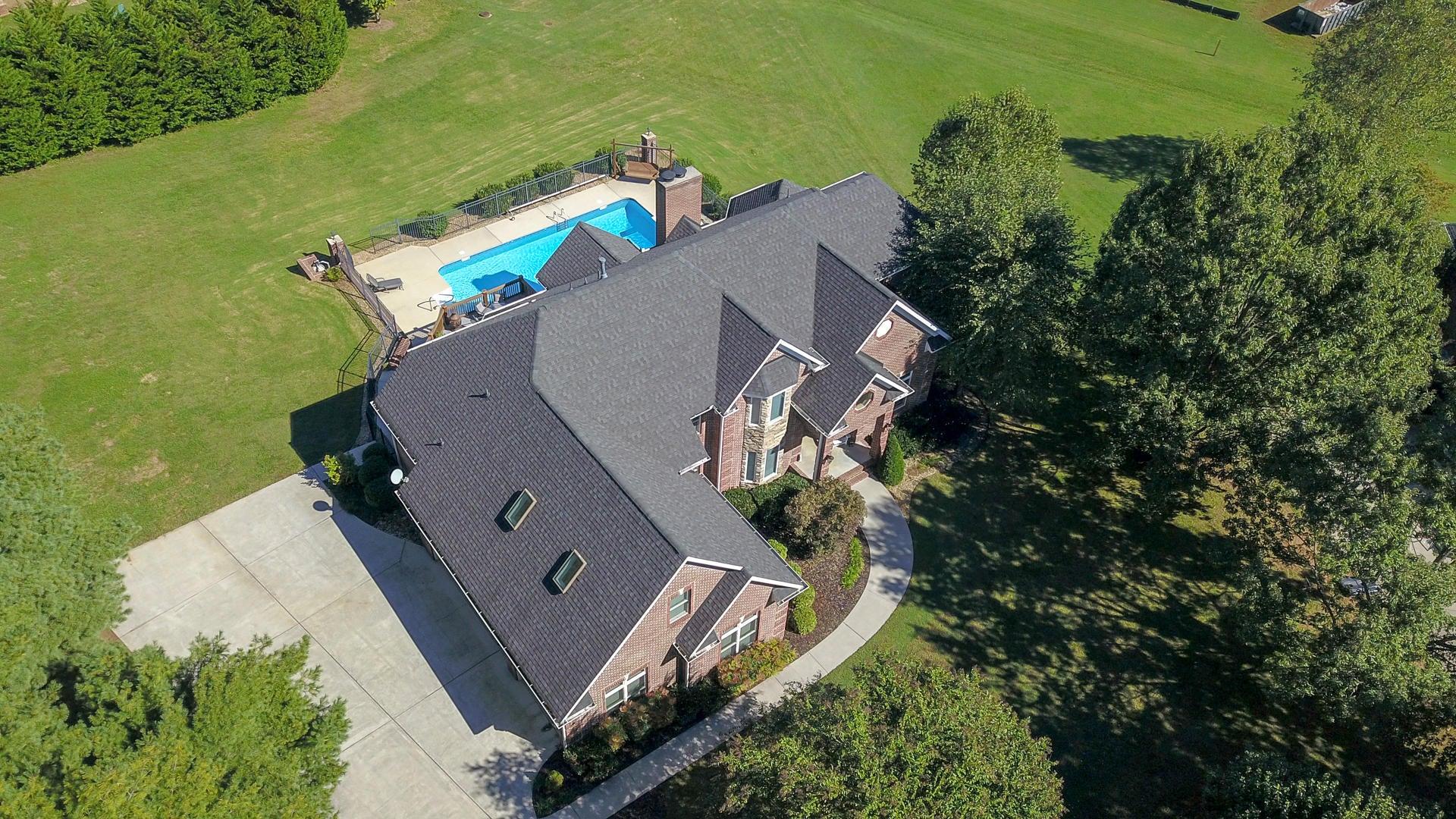 1 acre private lot
