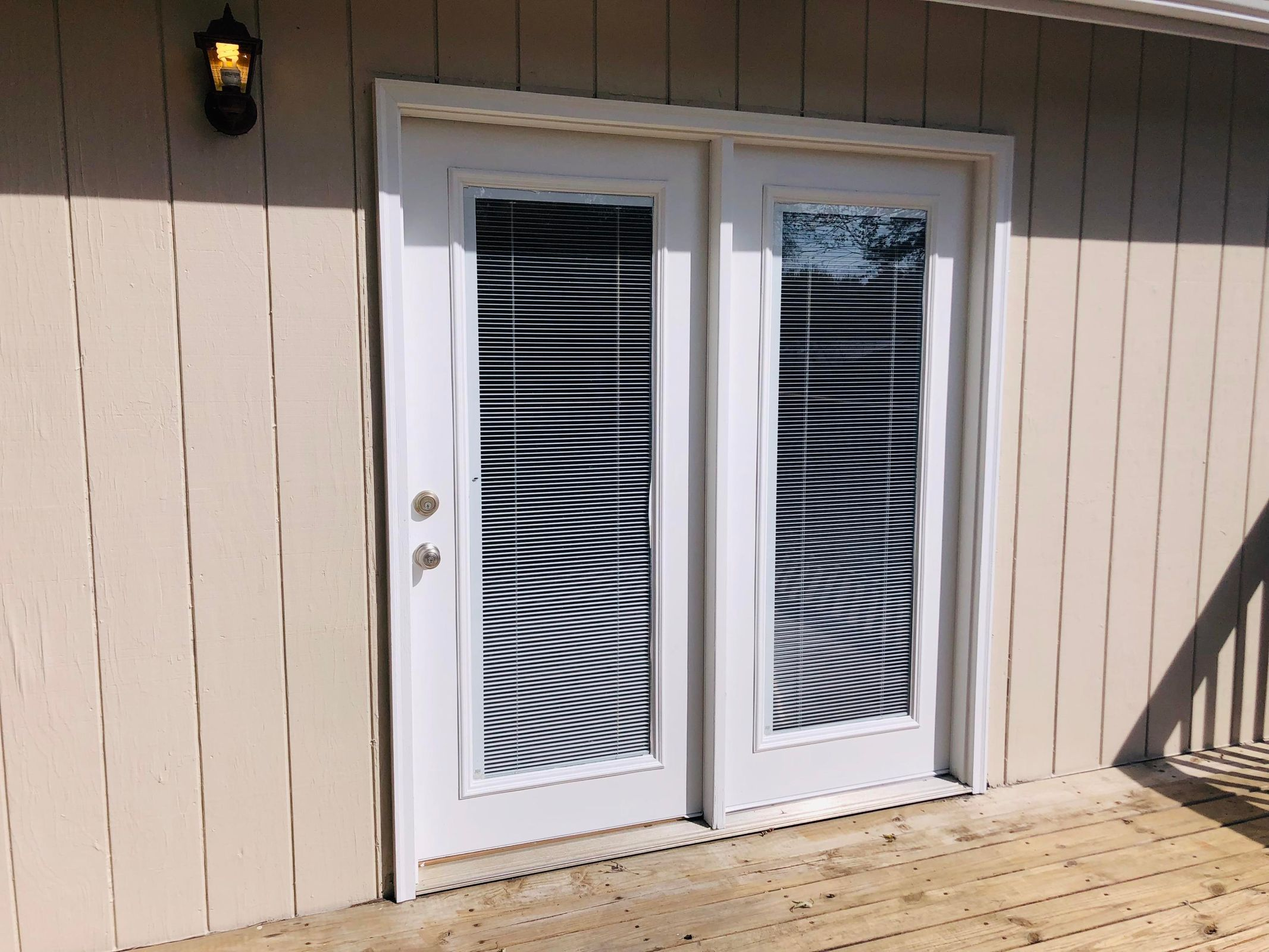 Double doors to back deck