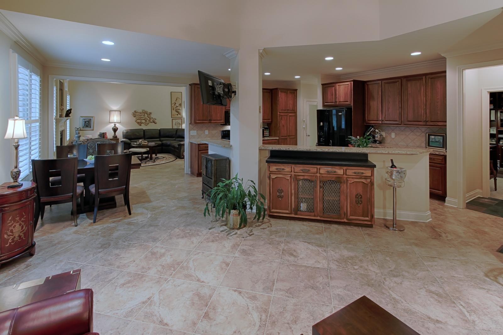 Keepin Room/Kitchen