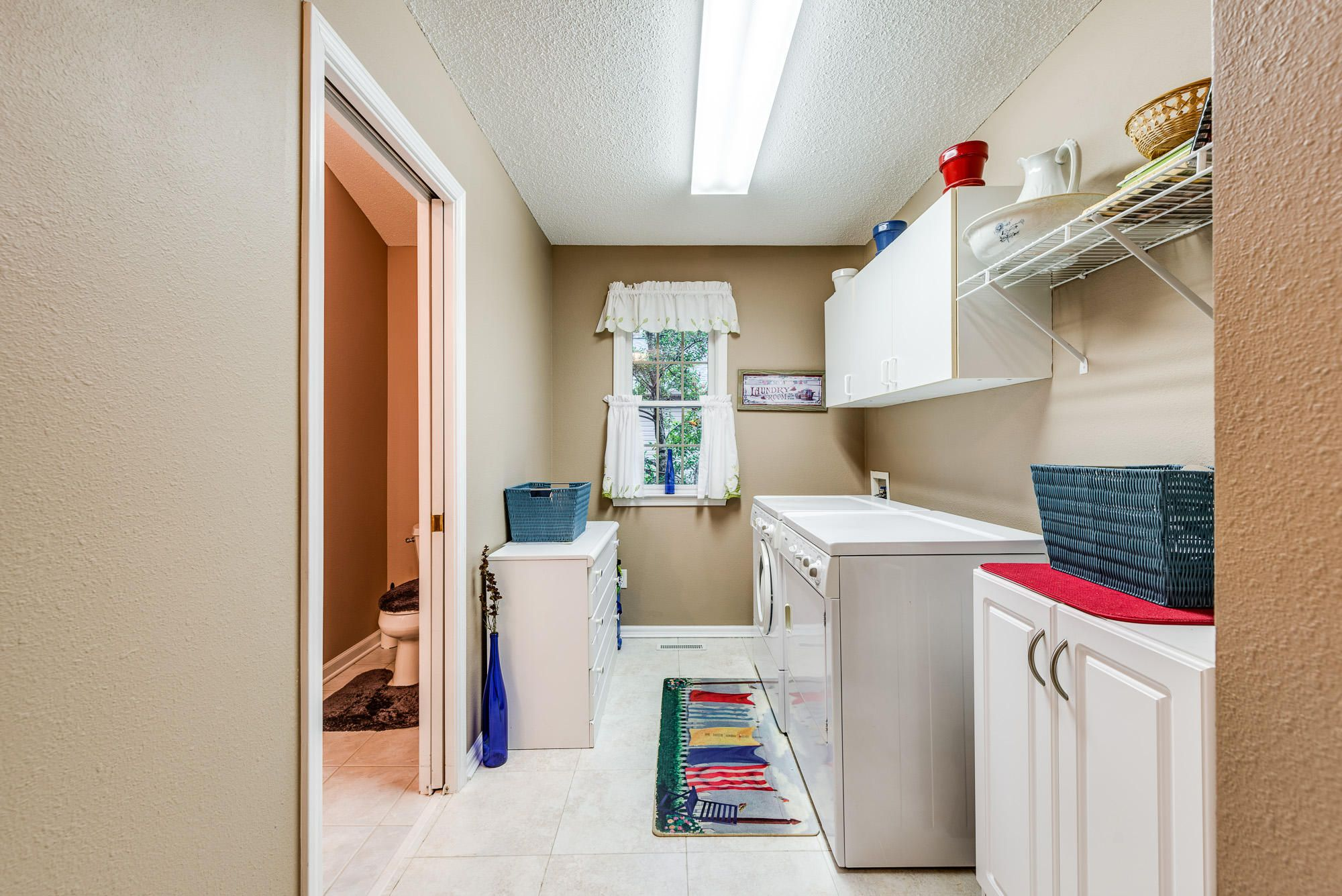 Laundry to Master Bath