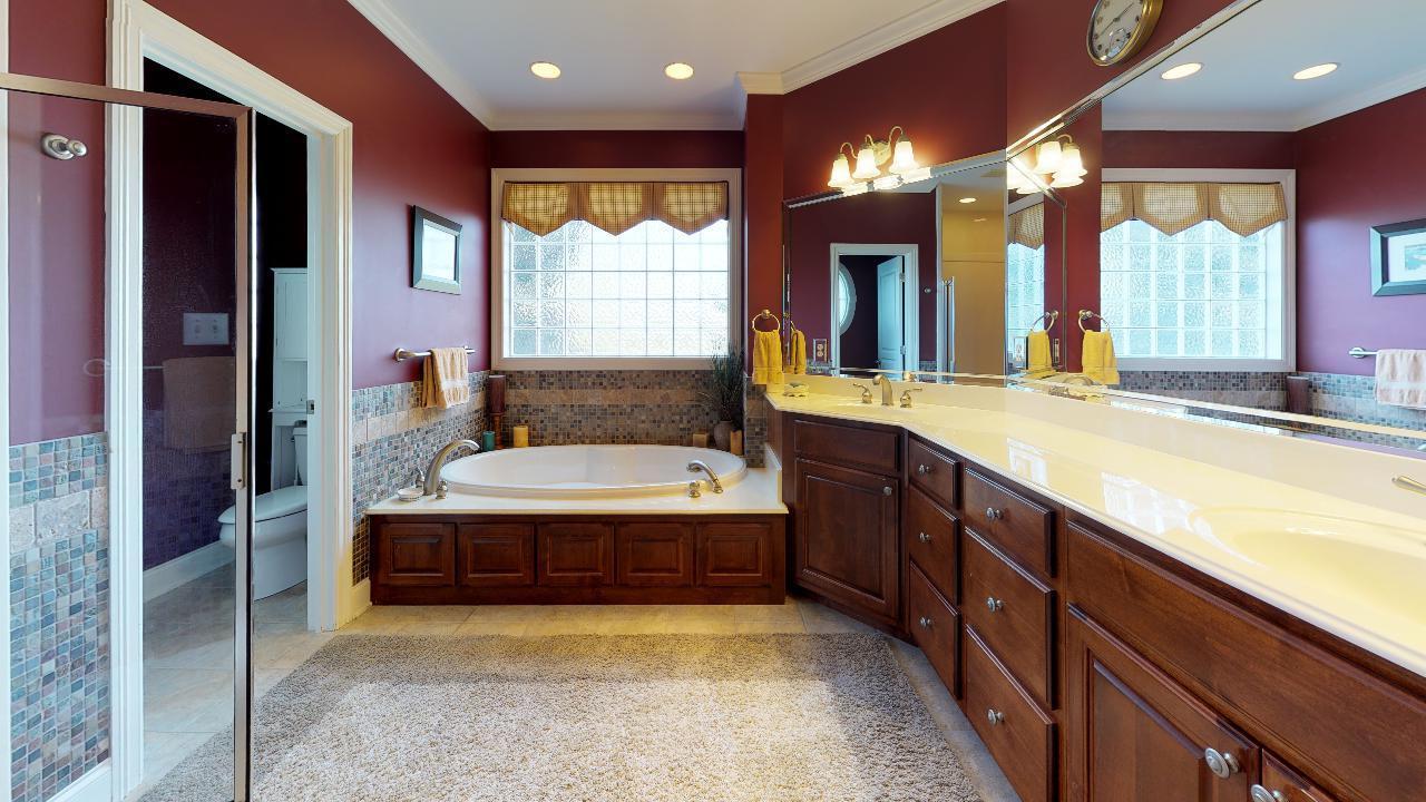 1718-Inverness-Dr-Bathroom