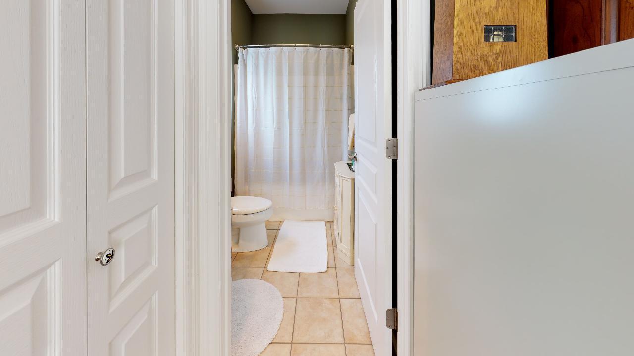 1718-Inverness-Dr-Bathroom(3)