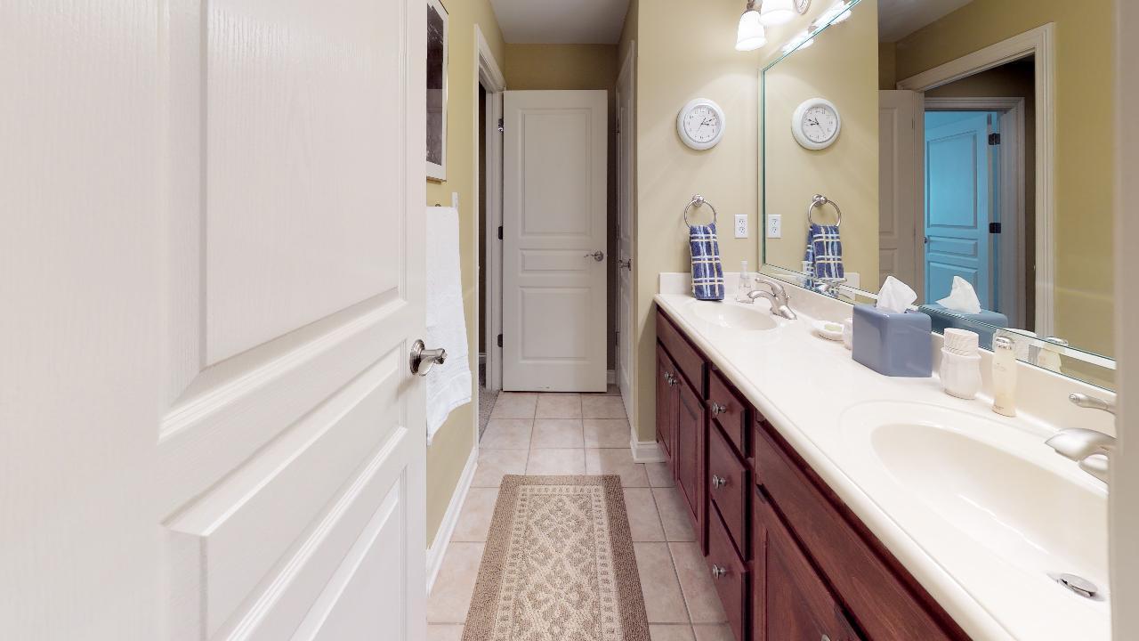 1718-Inverness-Dr-Bathroom(1)