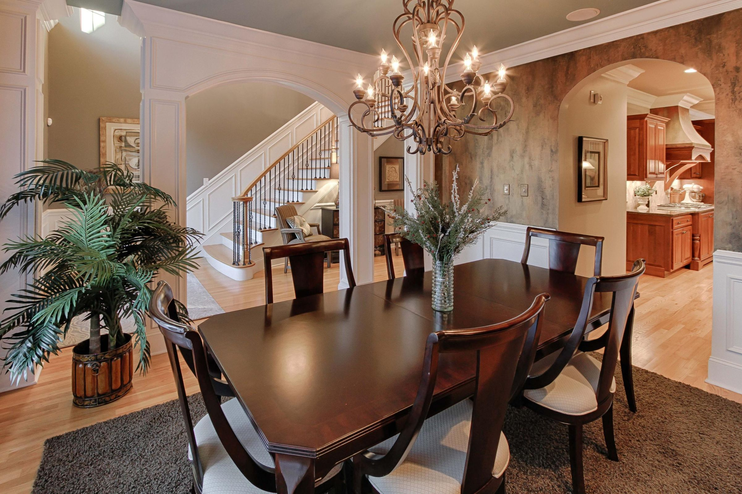 06 - Formal Dining Room