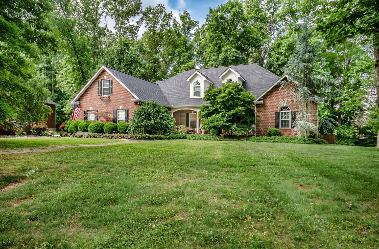 313 Wooded Ln Knoxville TN-large-002-35-