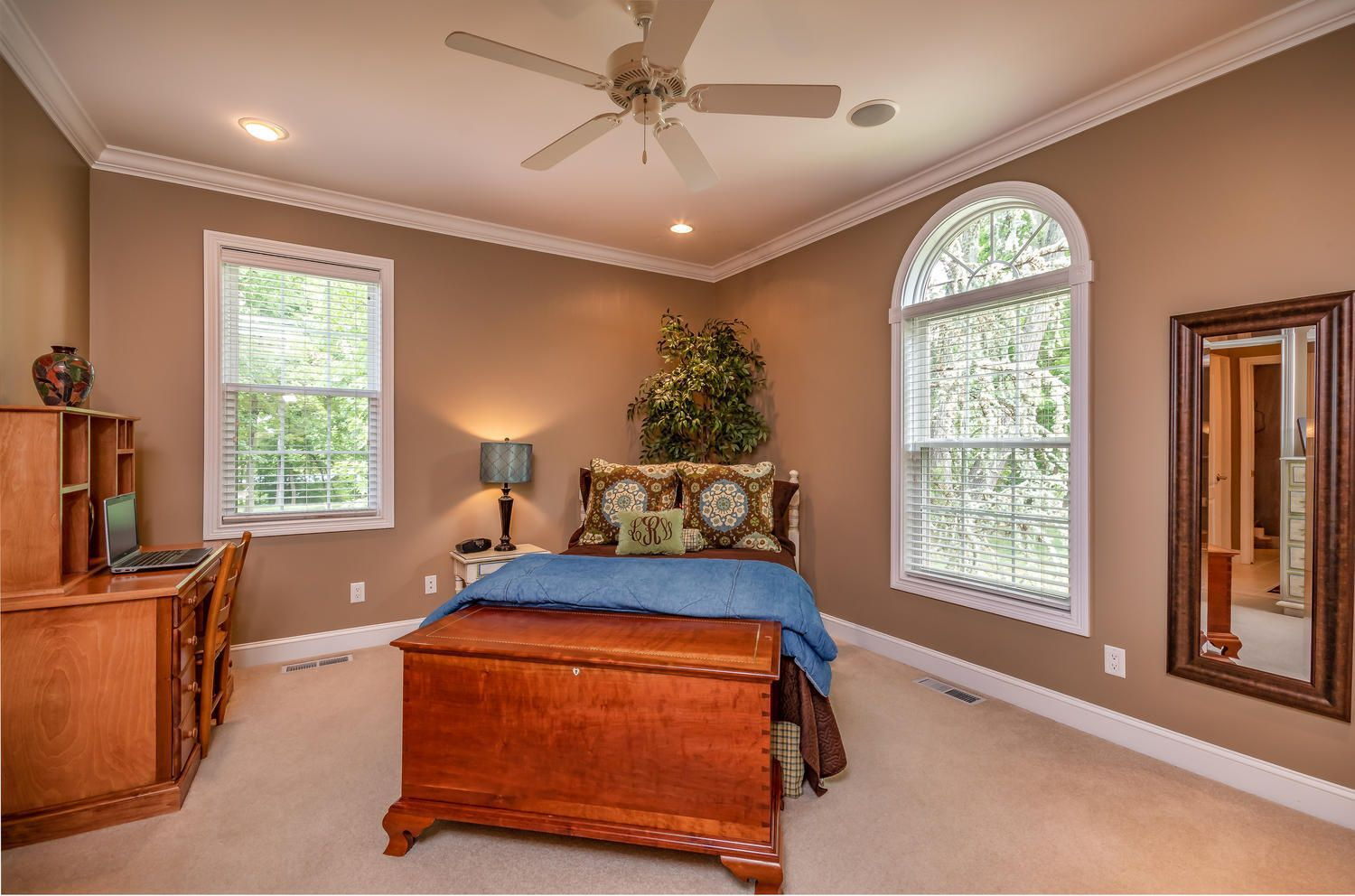 313 Wooded Ln Knoxville TN-large-025-29-