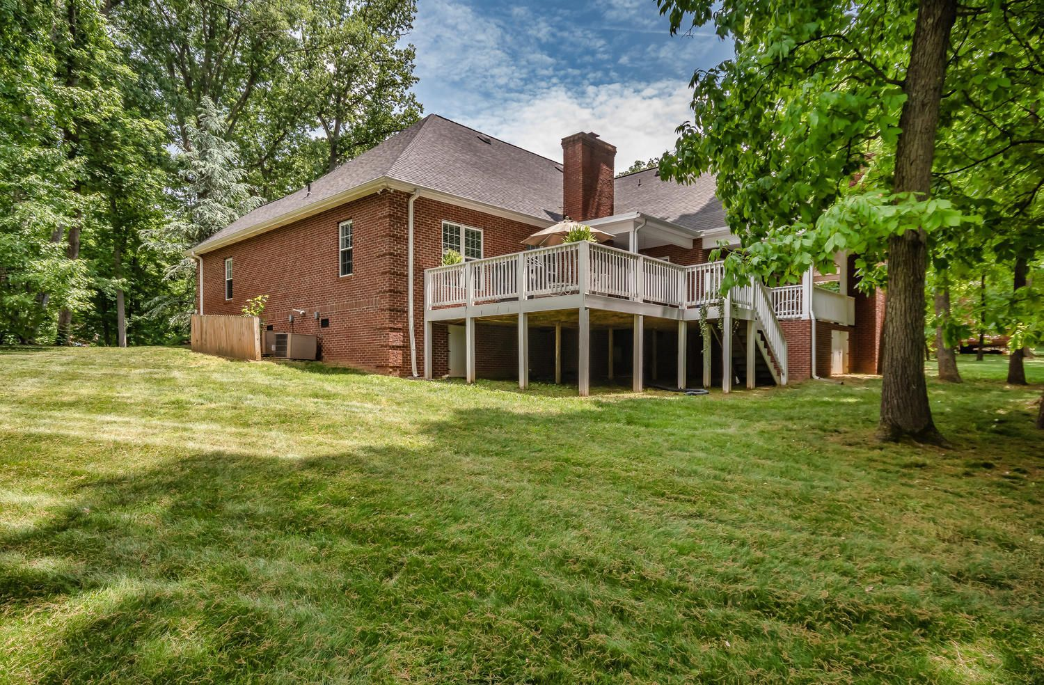 313 Wooded Ln Knoxville TN-large-034-32-