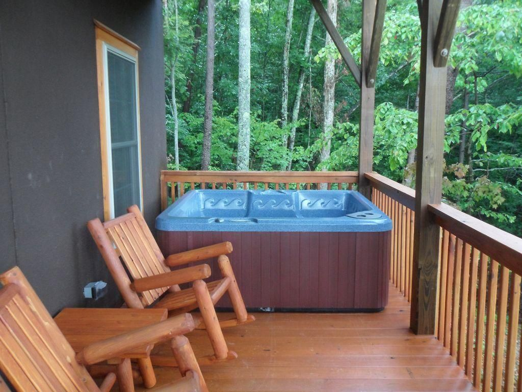 cabin 2 hot tub