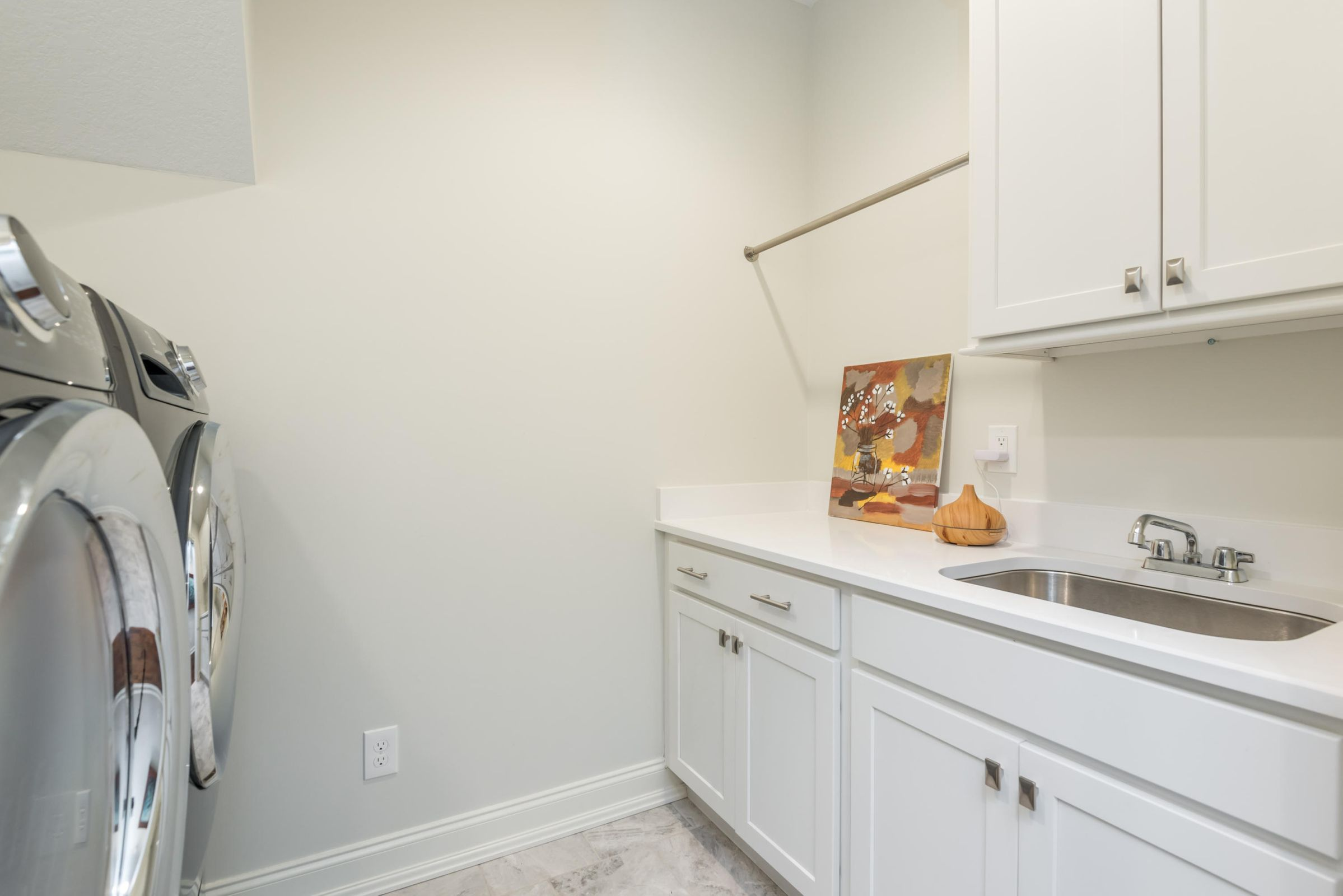 Main Level, Walk-In Laundry Room