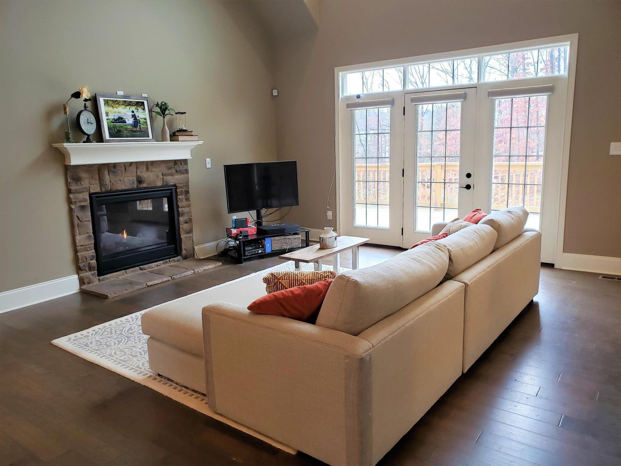 wendy siman - 4 living room