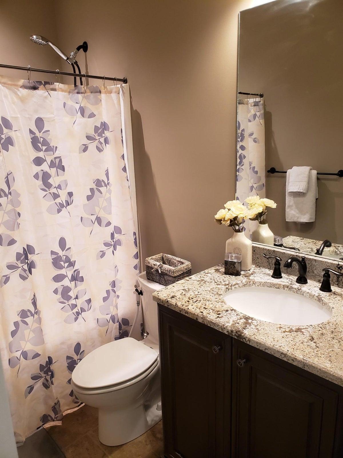 wendy siman - 12 bathroom 2