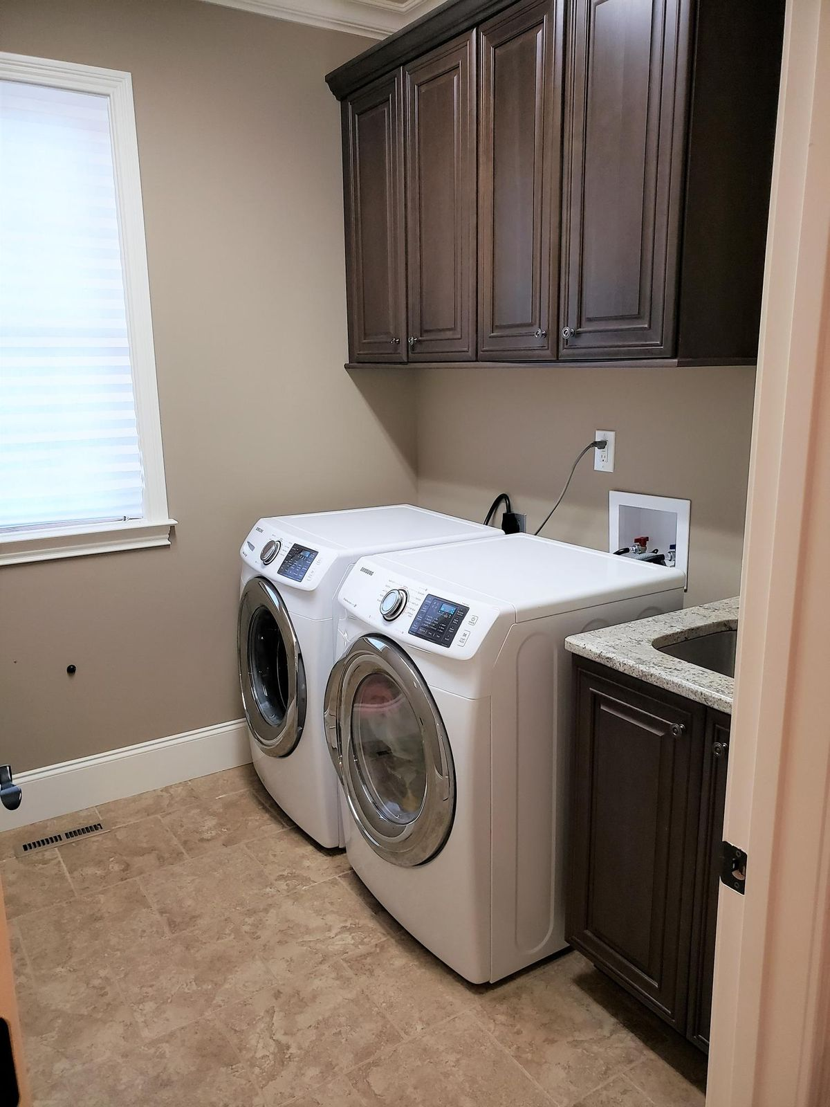 wendy siman - 13 laundry room