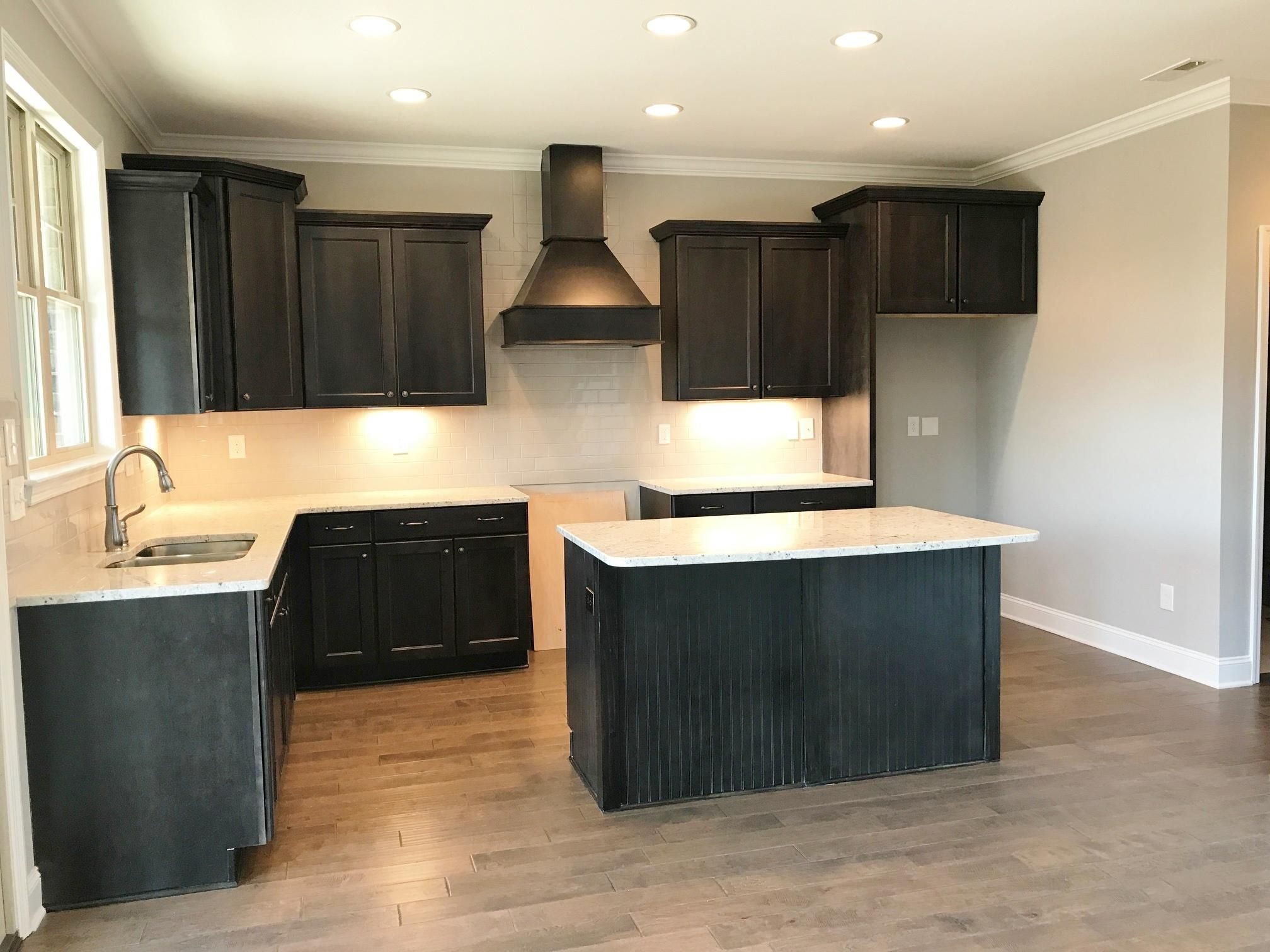 Great kitchen with island