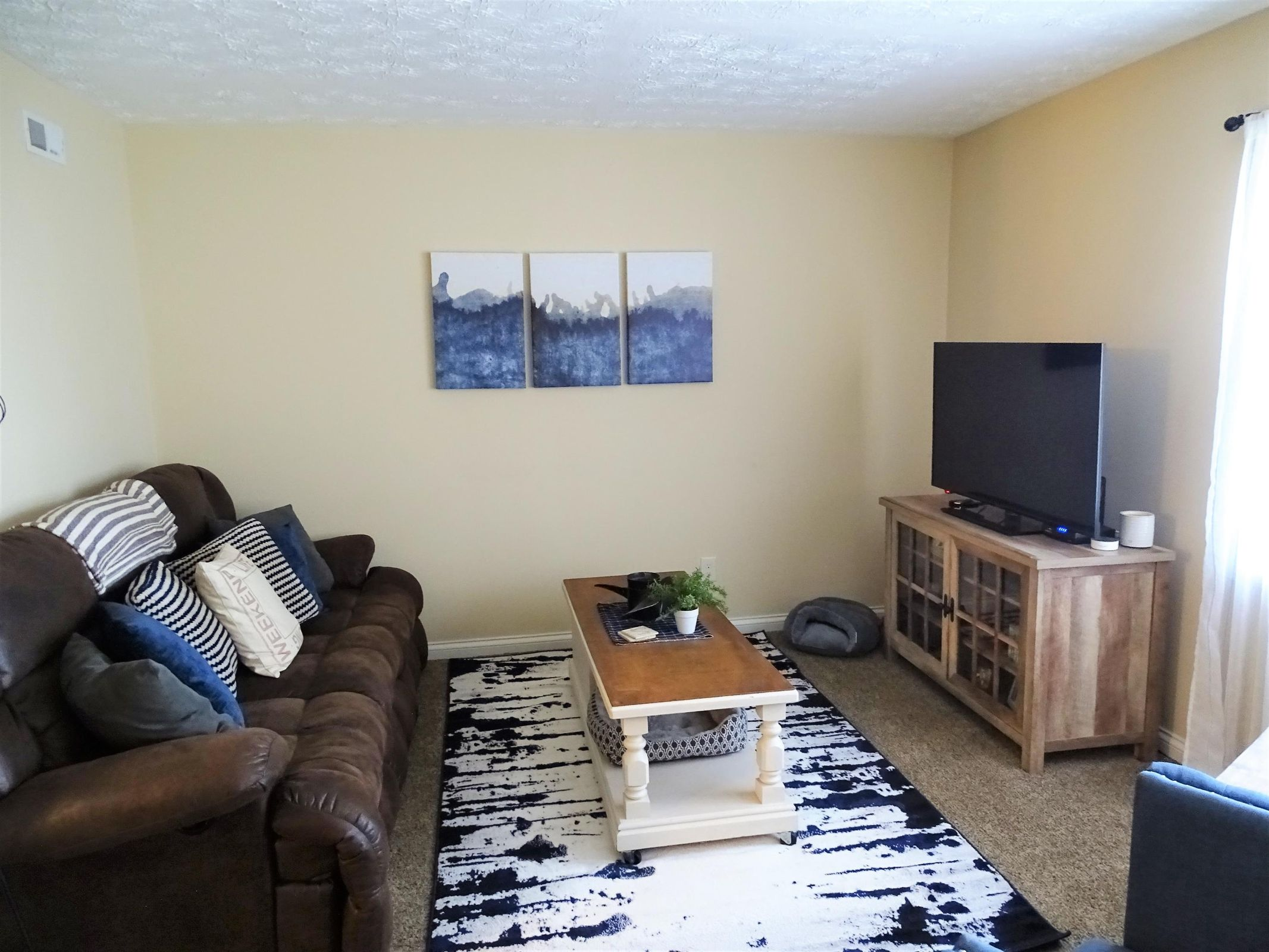 10 - Living Room - Updated a