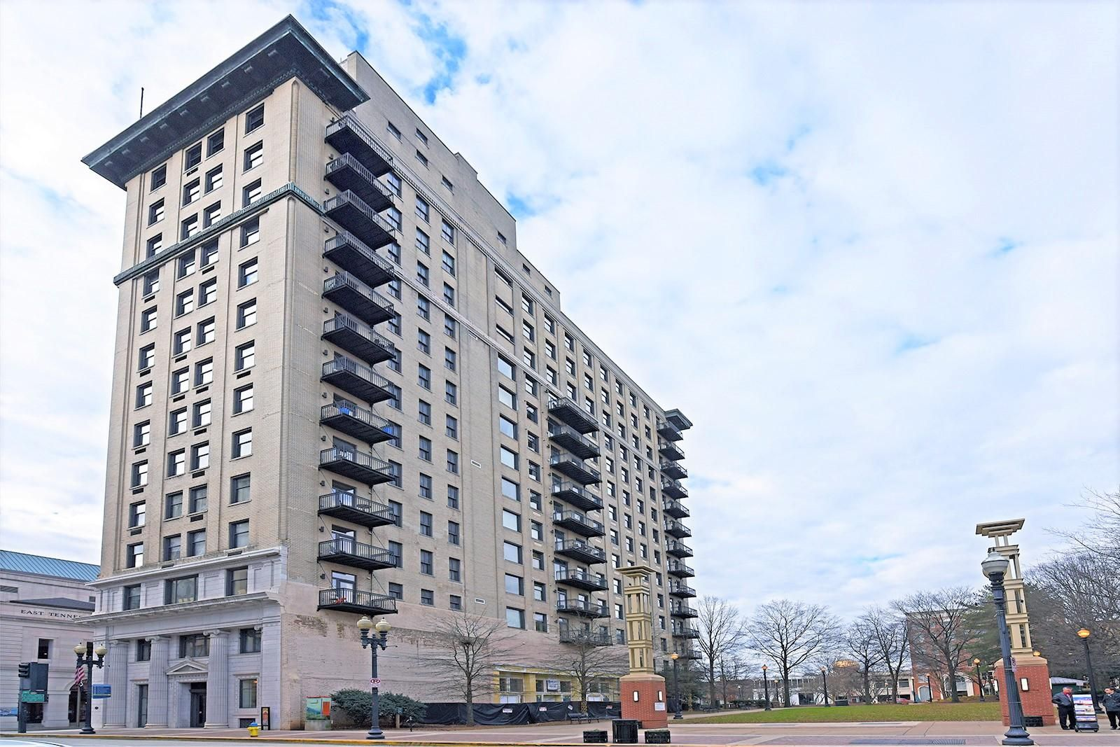 Holston Unit 503 - 01 Building Ext
