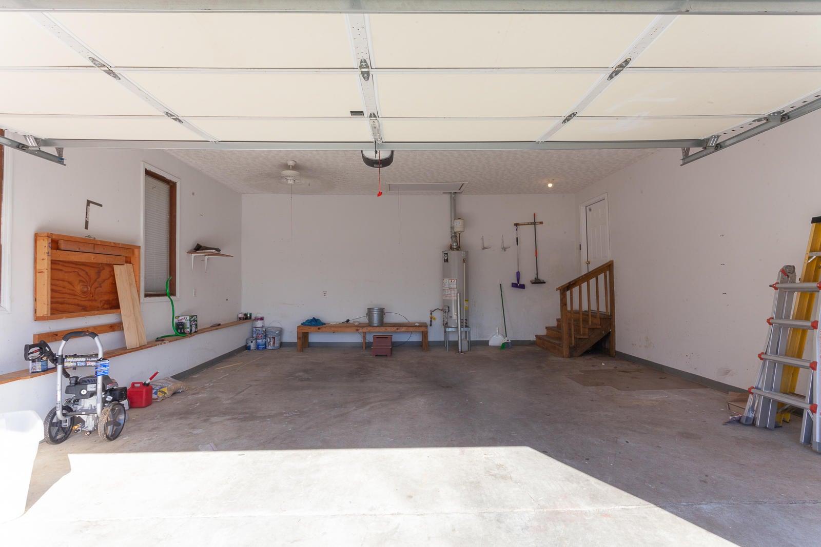 33 Garage