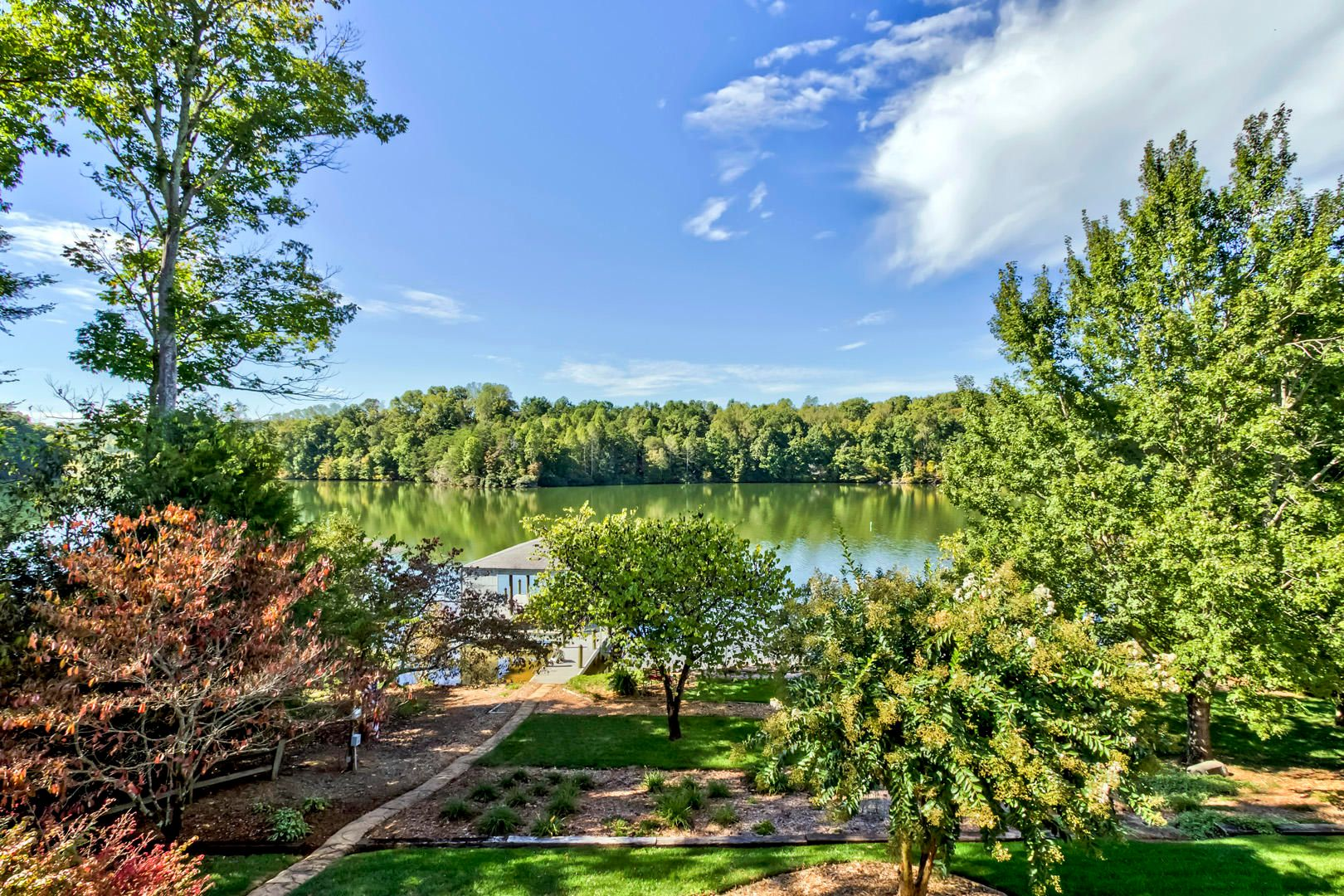 05_PineberryDrive_295_DeckView