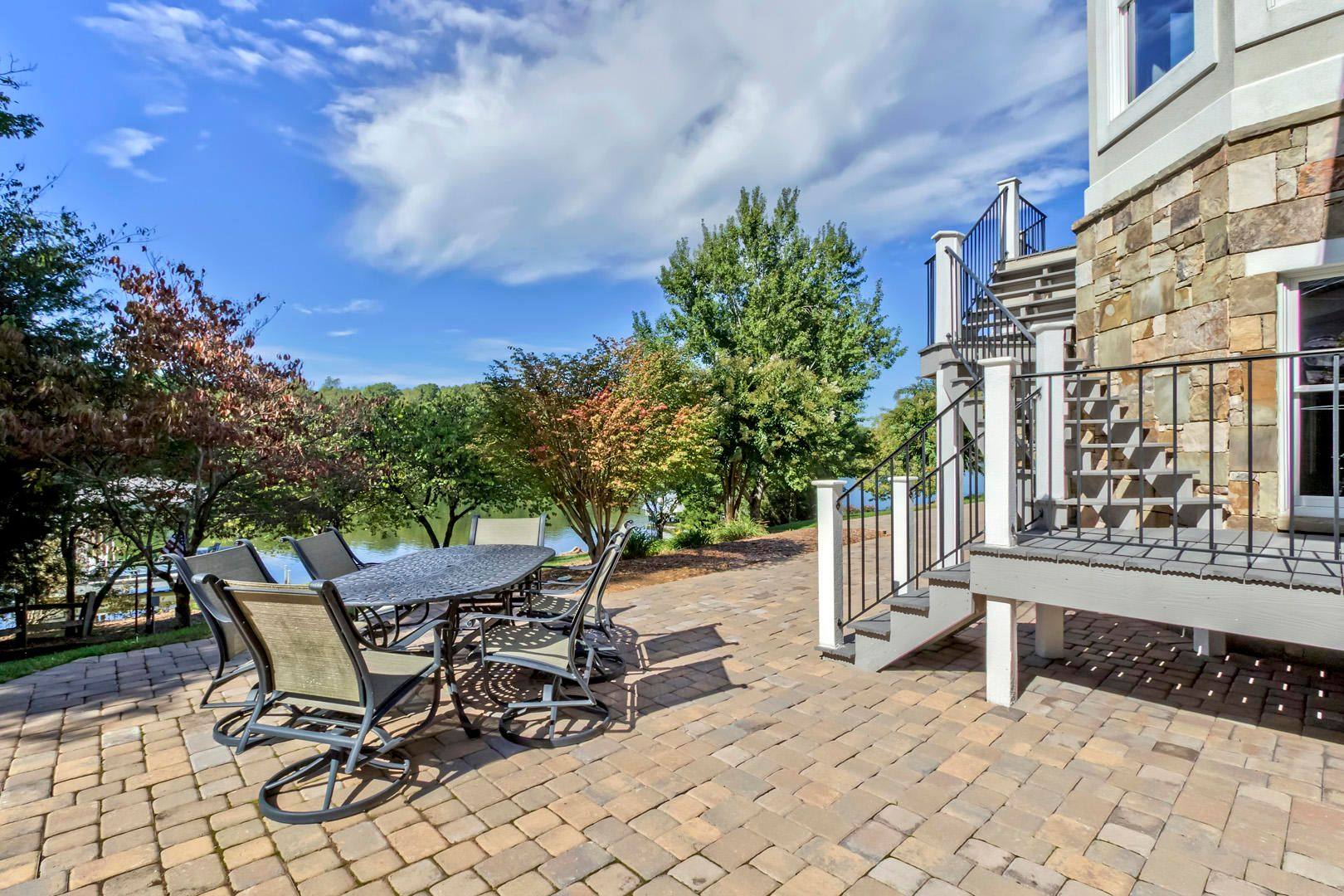 36_PineberryDrive_295_Patio
