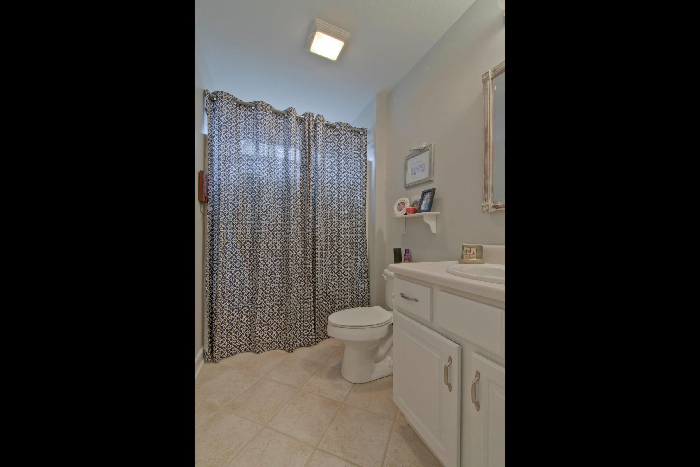 12541 Coral Reef Cir Knoxville-027-8-125