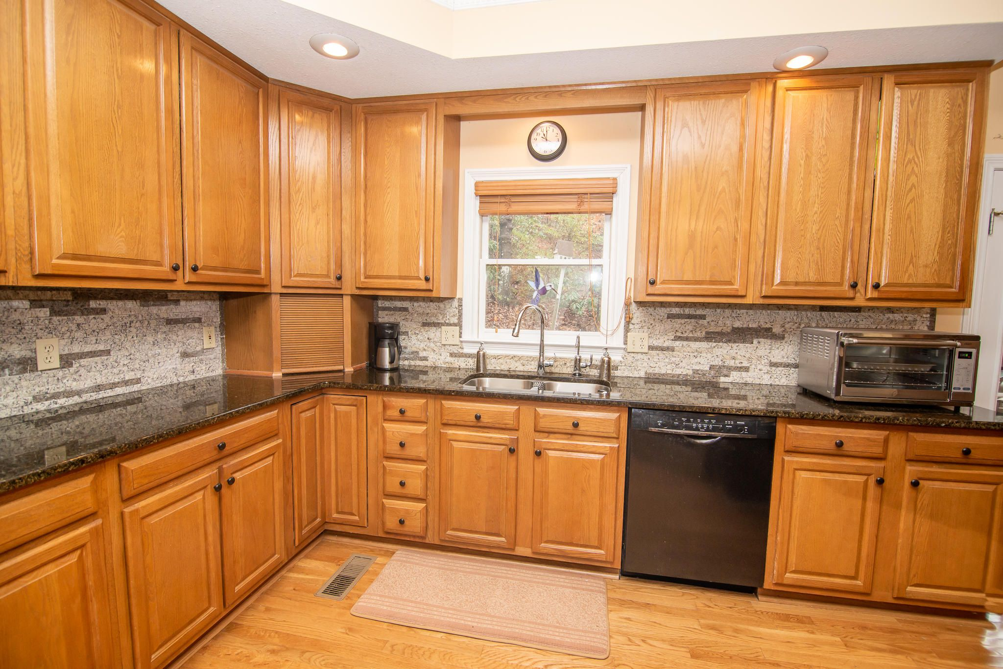 Lively cabinetry