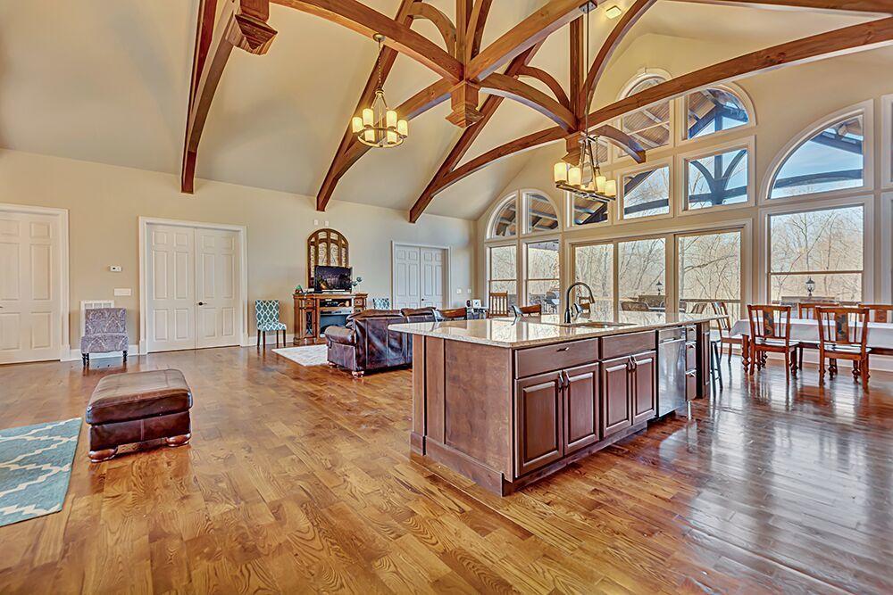 greatroom/kitchen