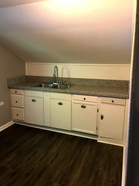 232 B Kitchen area 2