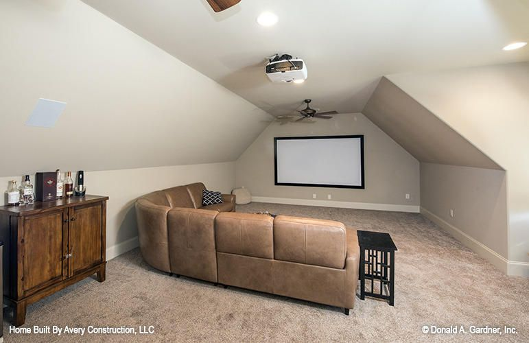The Sutton - Bonus Room