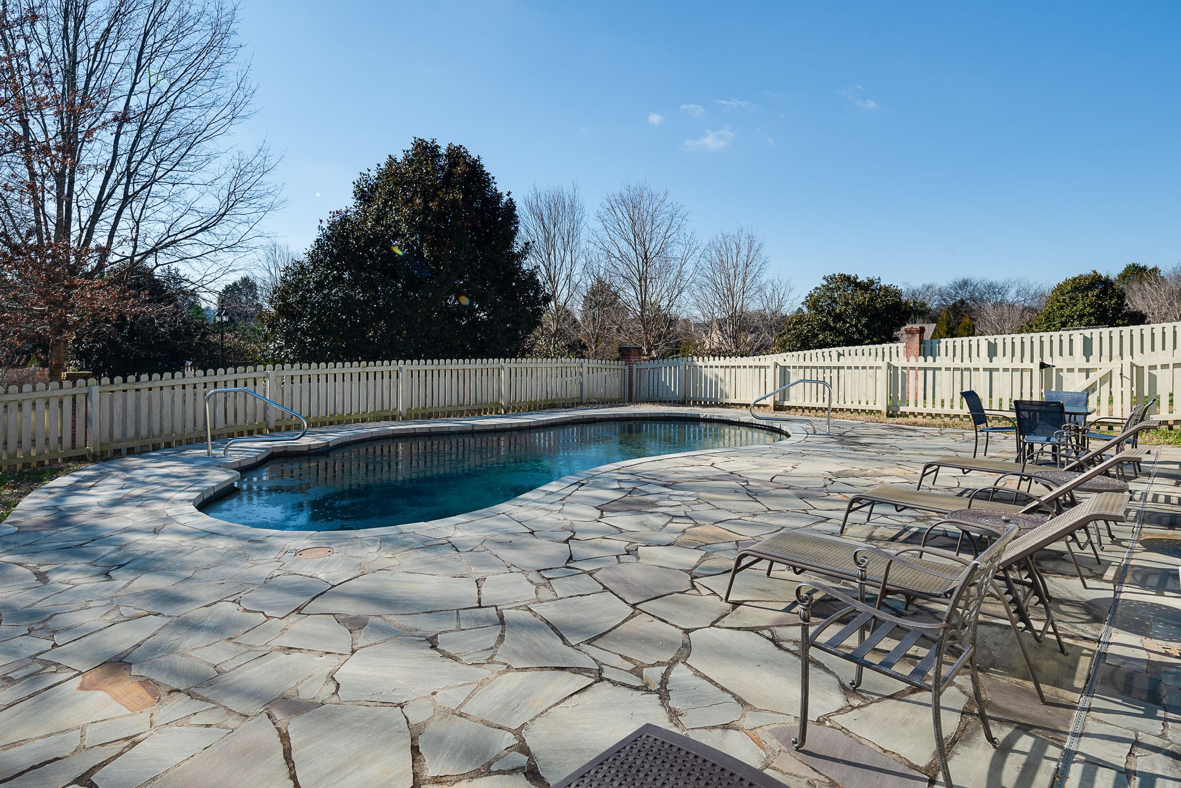 GORGEOUS GUNITE POOL!