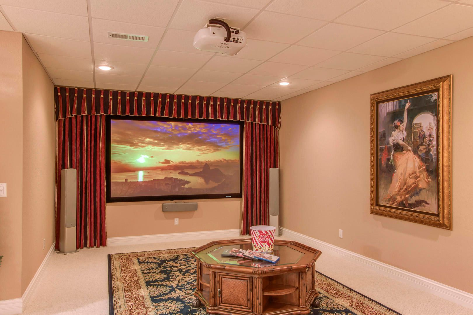 32_219 Northshore Drive_HomeTheatre