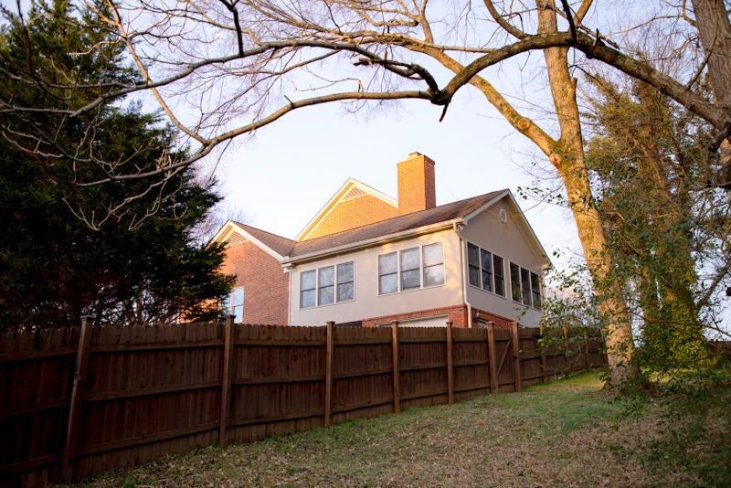 5. Roberts house