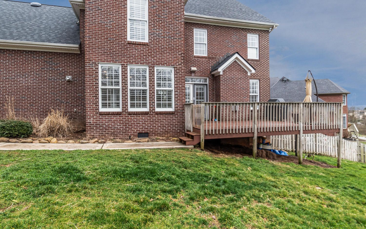 1801 Lakemont Ln Knoxville TN-large-026-