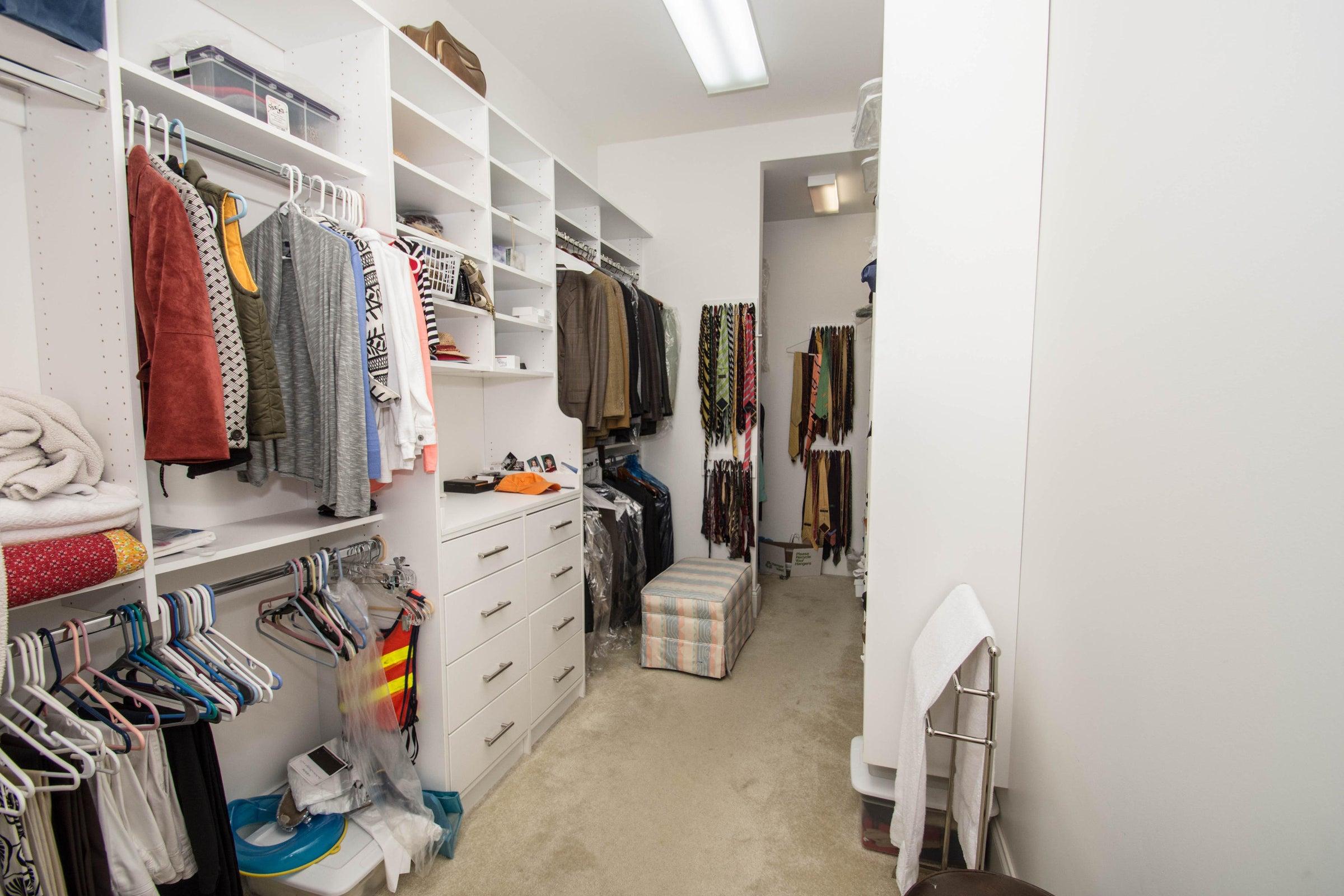 VF MBR Closet