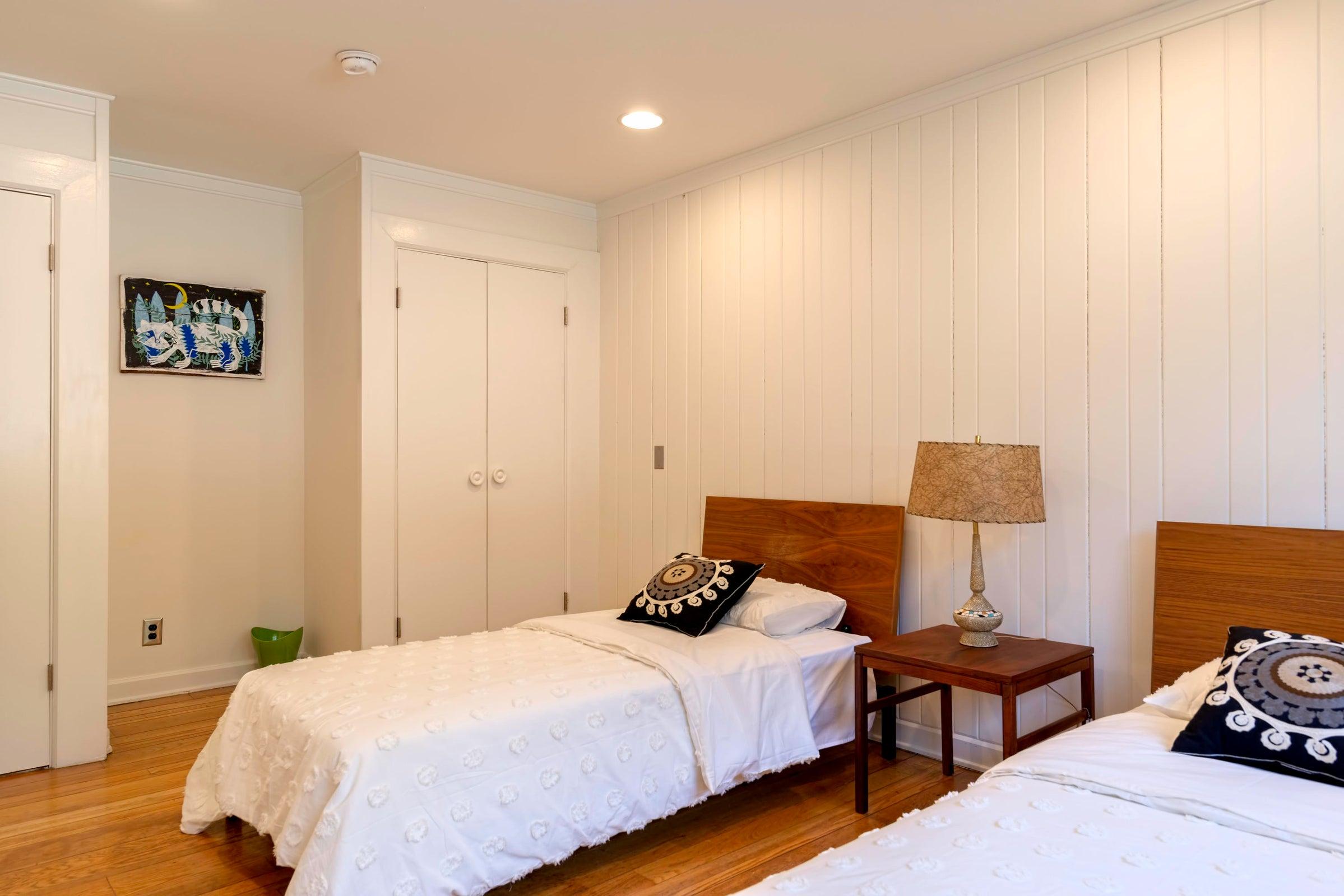 DSC_2009 - Bedroom 2