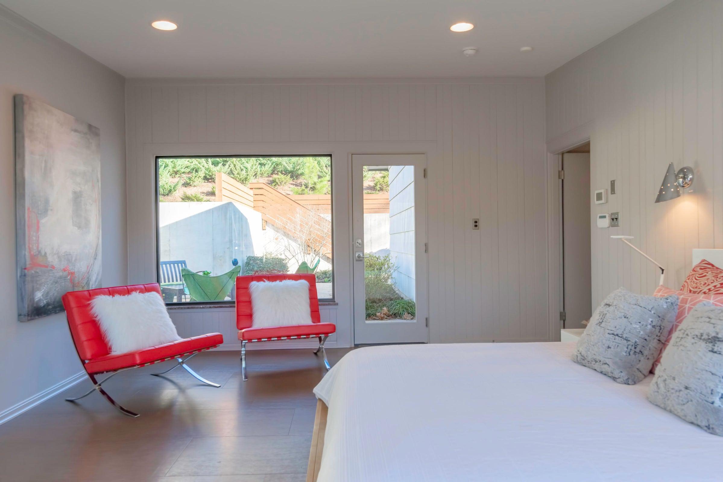 DSC_2025 Master Bedroom
