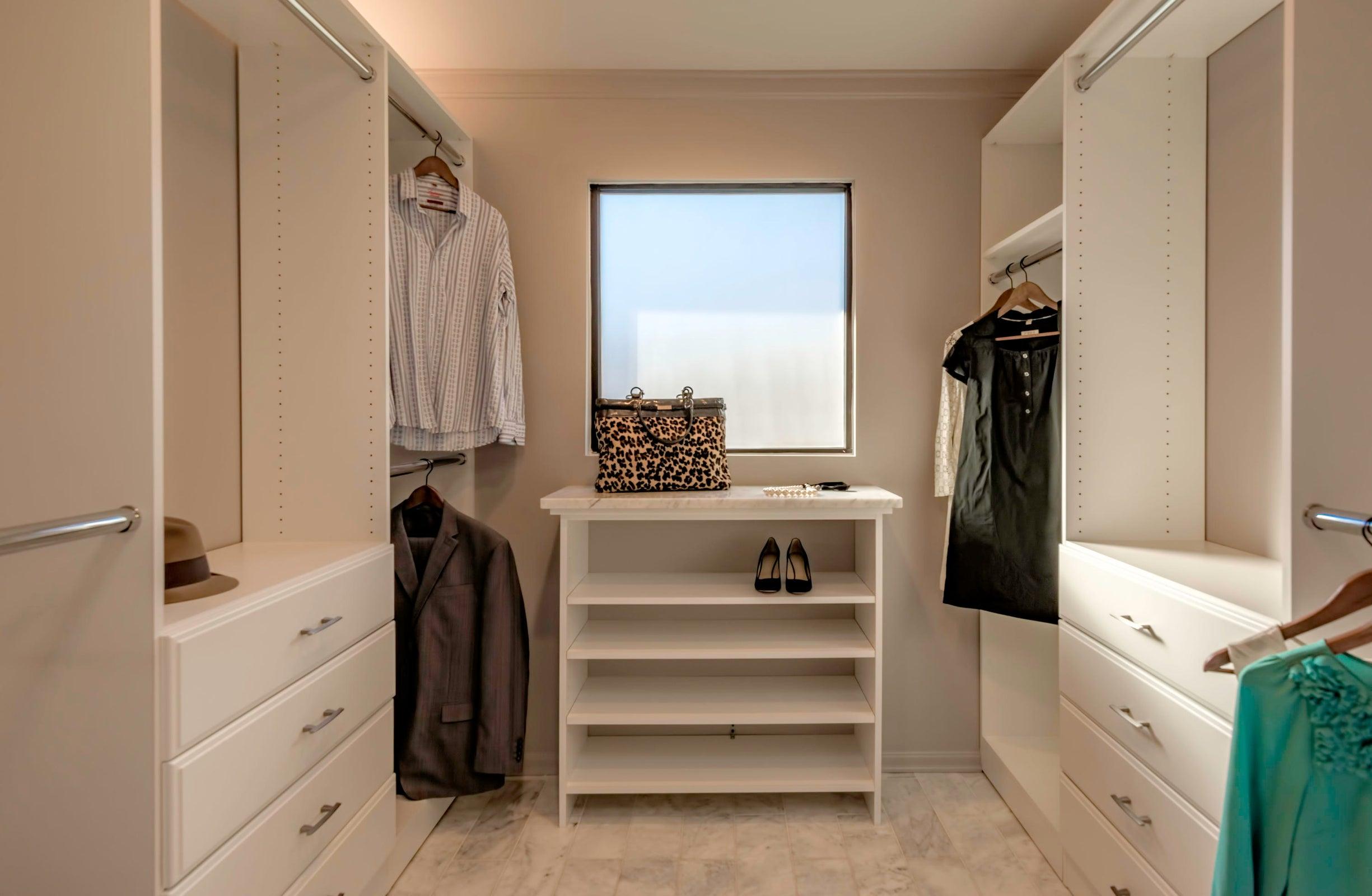 DSC_2043 - Master Closet