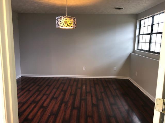 Flex room off Kitchen