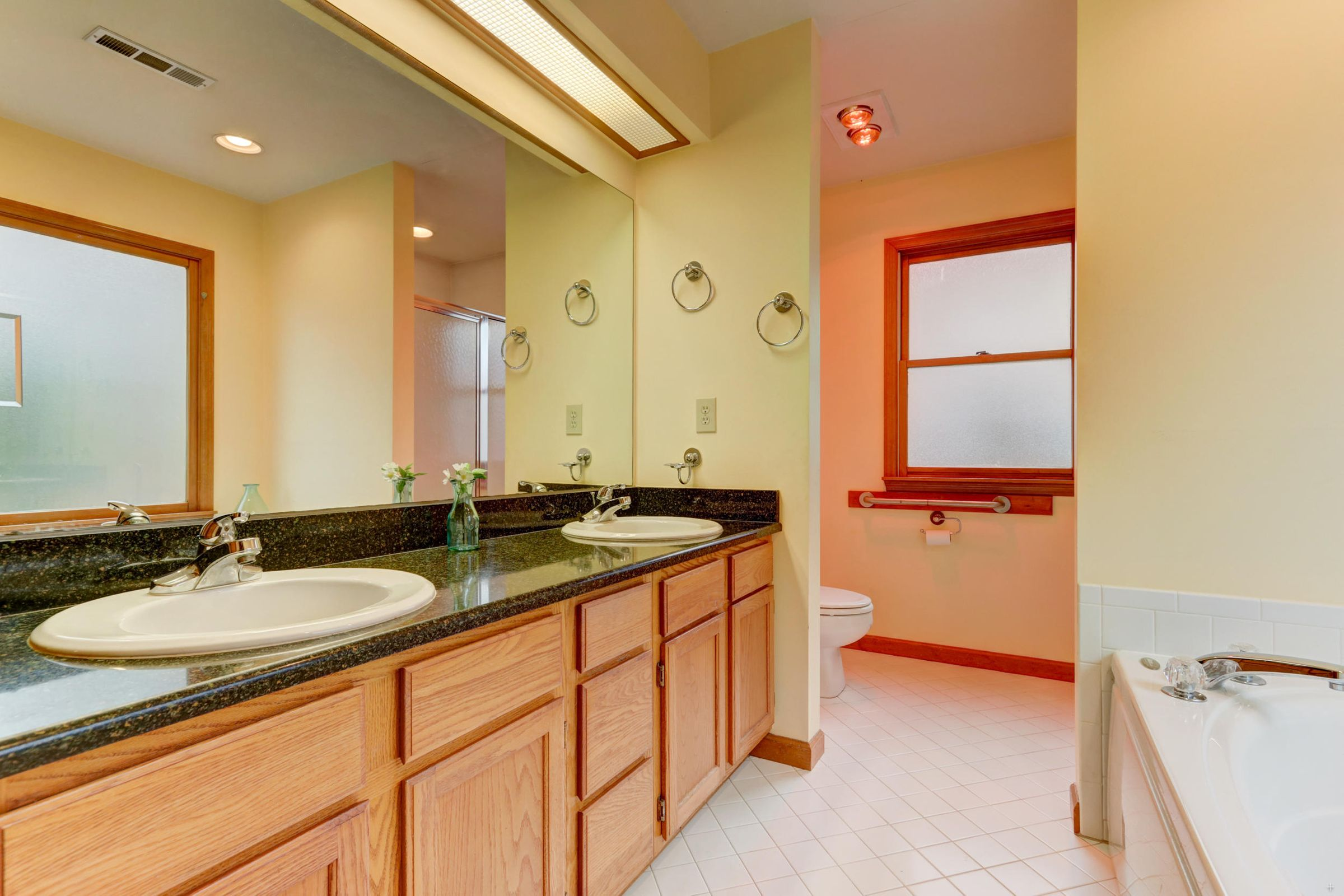 Master double vanity & step-in shower
