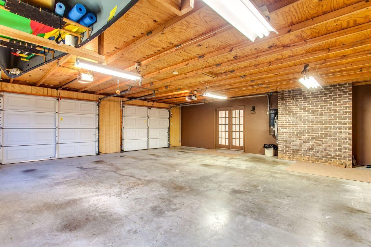 Oversize garage