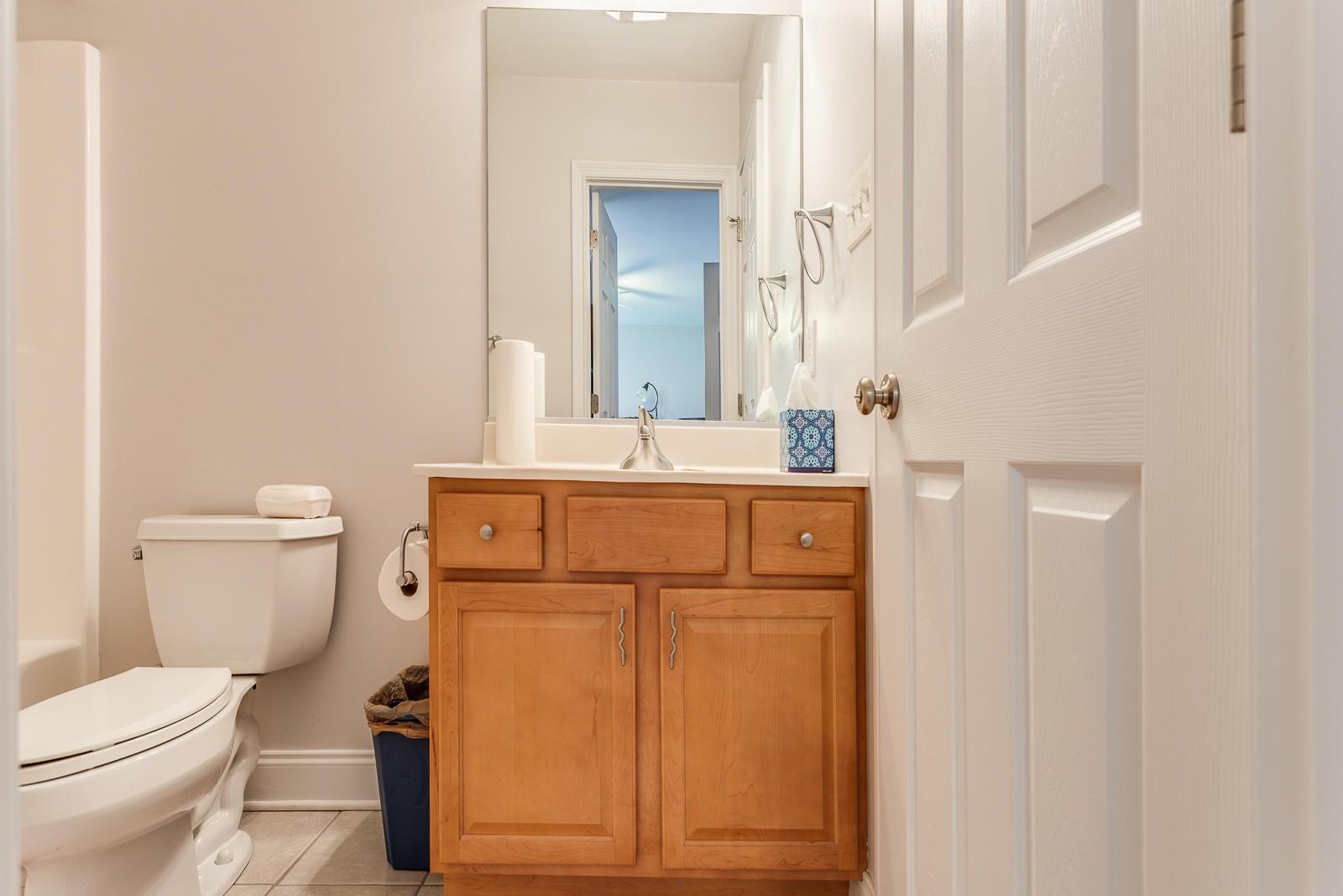 Bath Basement_861210